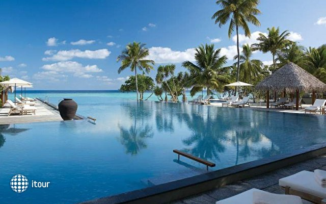 Four Seasons Resort Landaa Giraavaru 2
