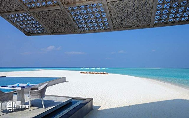 Four Seasons Resort Landaa Giraavaru 4