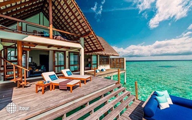 Four Seasons Resort Landaa Giraavaru 10