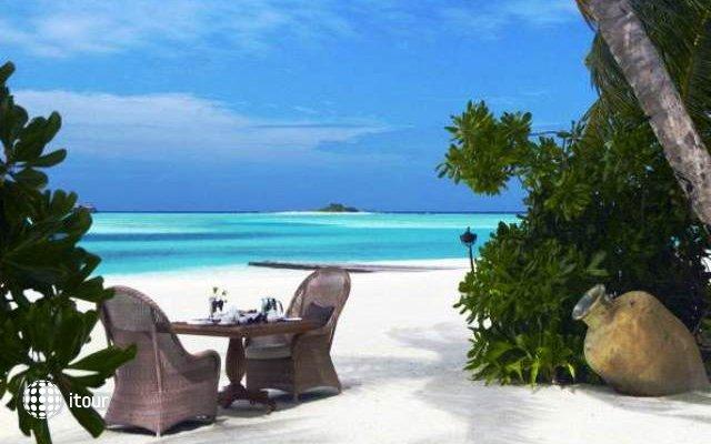 Naladhu Maldives 5