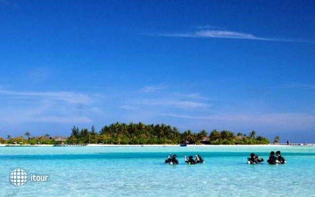 Naladhu Maldives 8