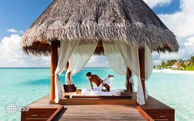 Naladhu Maldives 10