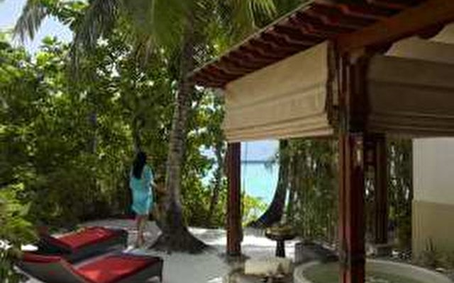 Shangri-la's Villingili Resort & Spa 9