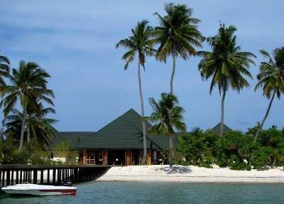 Canareef Resort (ex. Herathera Island Resort) 1