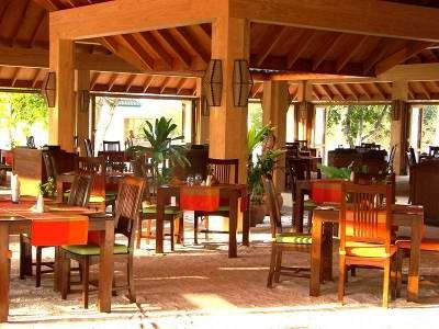 Canareef Resort (ex. Herathera Island Resort) 9
