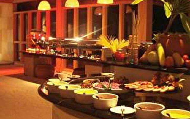 Canareef Resort (ex. Herathera Island Resort) 6