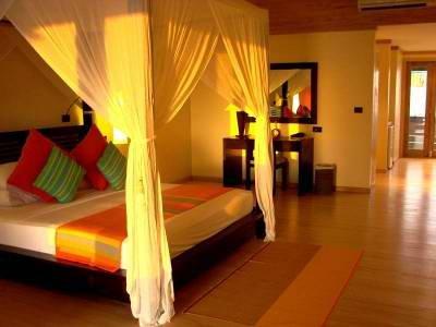Canareef Resort (ex. Herathera Island Resort) 3
