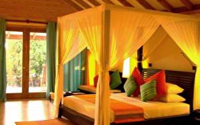 Canareef Resort (ex. Herathera Island Resort) 4