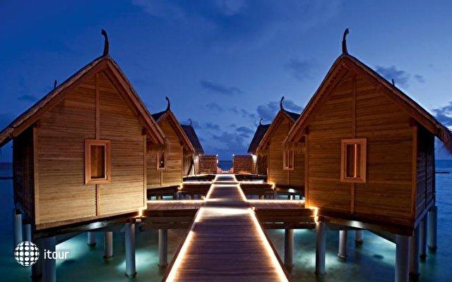 Constance Moofushi Resort 6