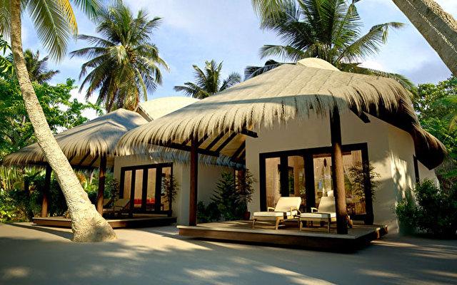 J Resort Huvandhumaafushi 8