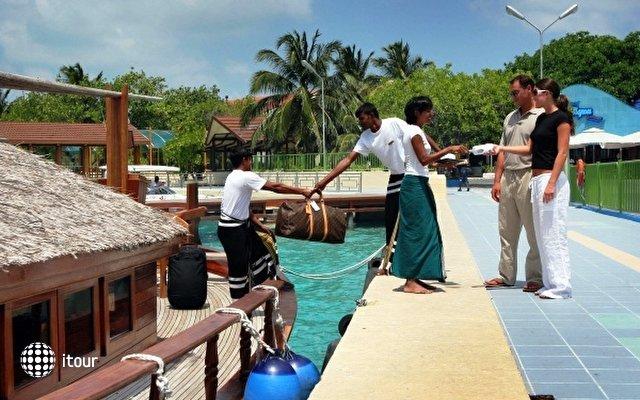 Safari Island Resort & Spa (ex. Dhoni Island) 38