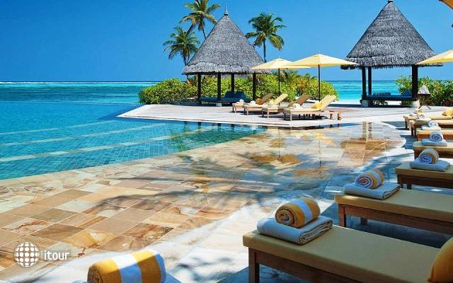 Four Seasons Resort At Kuda Huraa 2