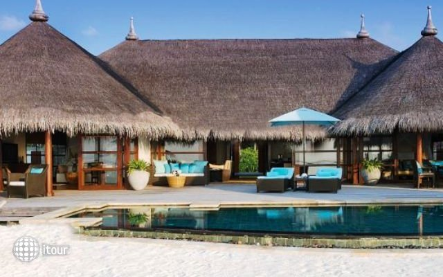 Four Seasons Resort At Kuda Huraa 1