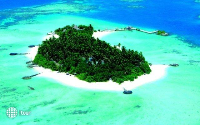 Makunudu Island 1