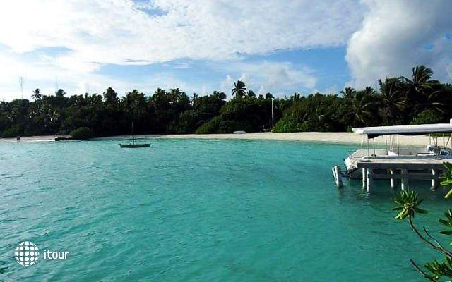 Makunudu Island 5