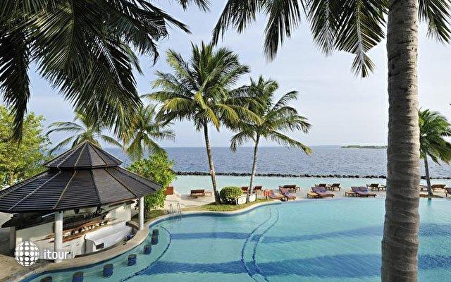 Royal Island Resort & Spa 7