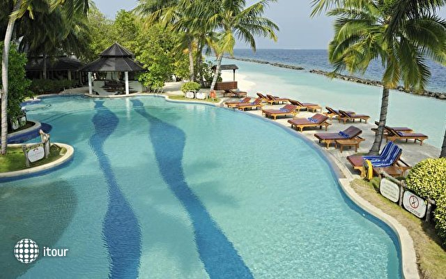 Royal Island Resort & Spa 6