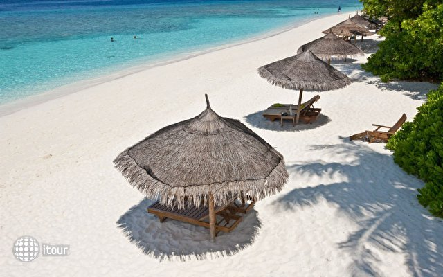 Reethi Beach Resort 9