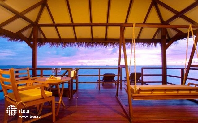 Filitheyo Island Resort 11
