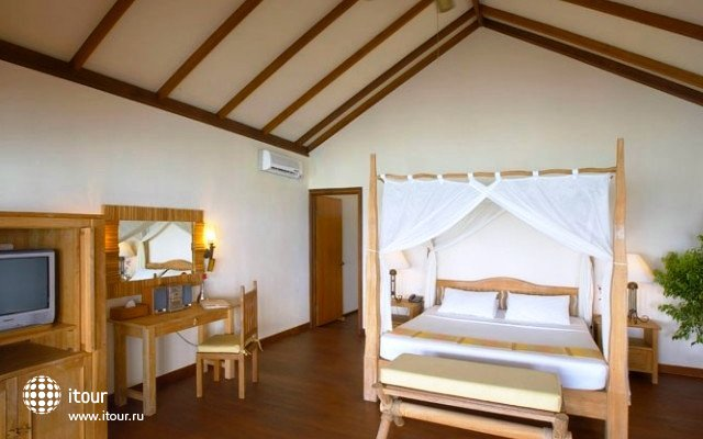 Filitheyo Island Resort 18