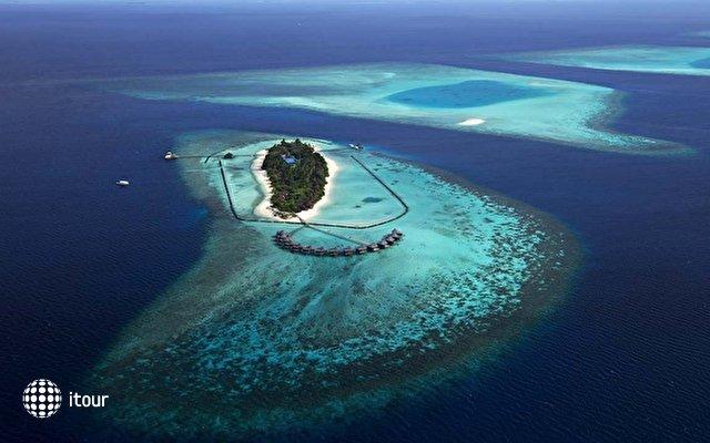 Komandoo Island Resort 1