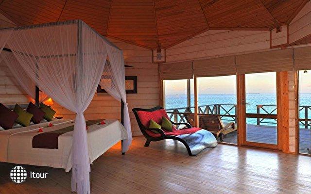 Komandoo Island Resort 10