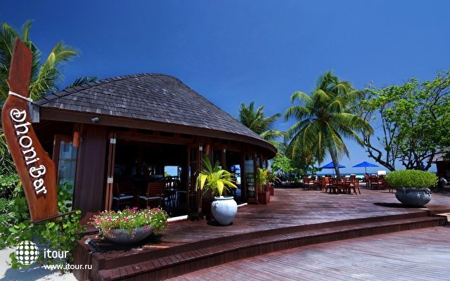 Olhuveli Beach & Spa Resort 10