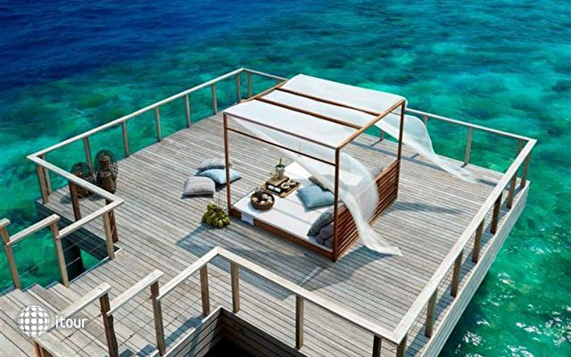 Dusit Thani Maldives 8