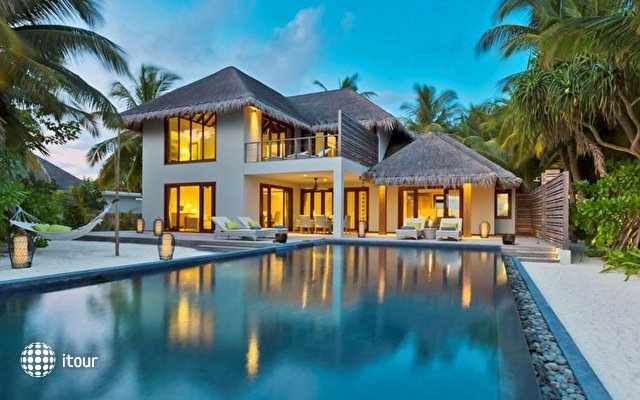 Dusit Thani Maldives 4