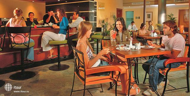 Coral Hotel & Spa 10