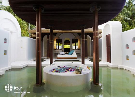 Anantara Kihavah Villas 4