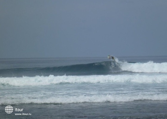 Thulusdhoo Surf Camp 5