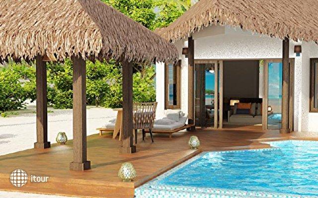 Furaveri Island Resort & Spa 6