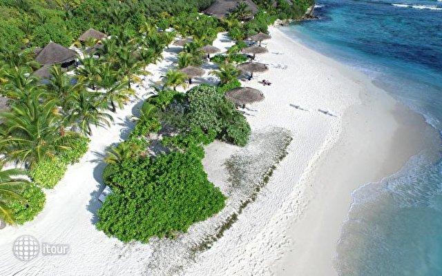 Furaveri Island Resort & Spa 3