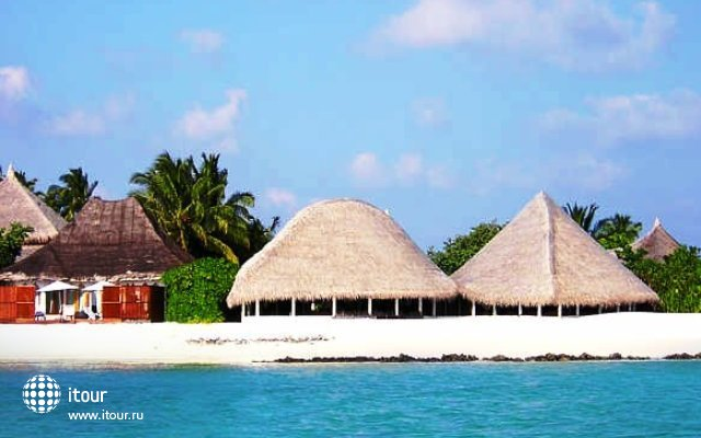 Angaga Island Resort & Spa 2