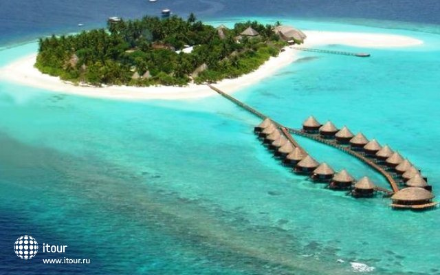 Angaga Island Resort & Spa 1
