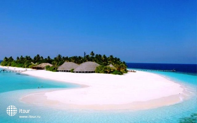 Angaga Island Resort & Spa 8