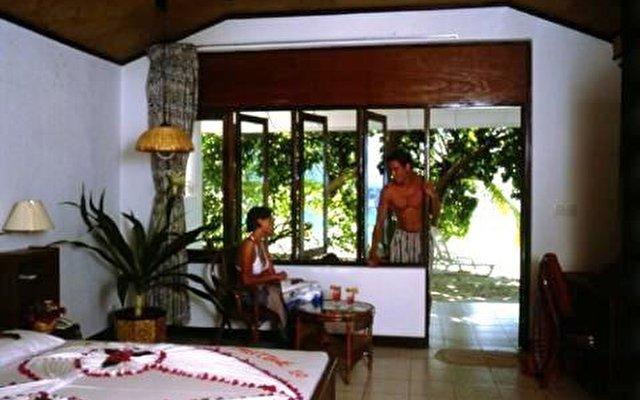 Vilamendhoo Island Resort 2