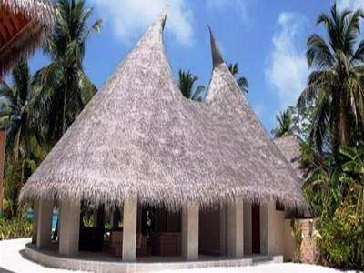 Vilamendhoo Island Resort 3