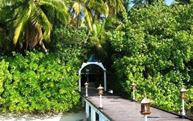 Vilamendhoo Island Resort 4