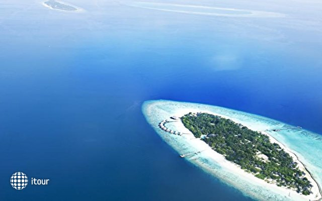 Adaaran Select Meedhupparu Island Resort 2