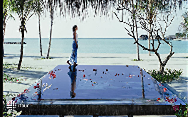 One & Only At Reethi Rah 10