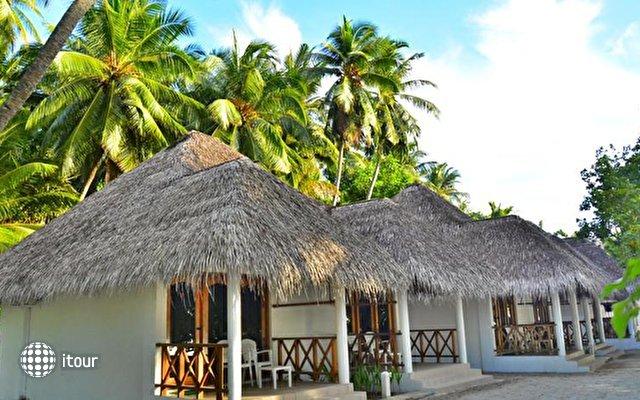 Fihalhohi Island Resort 5