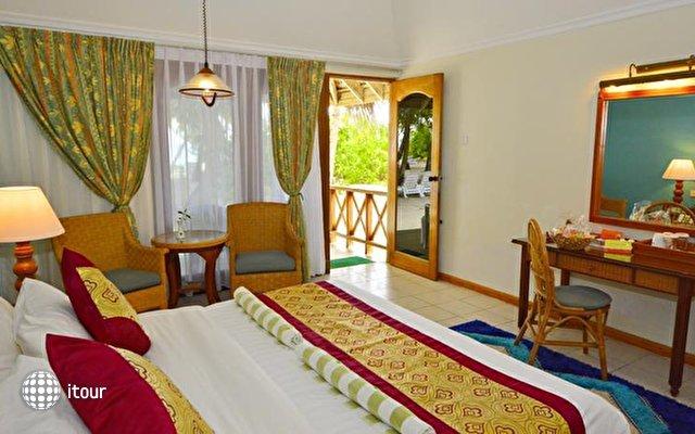 Fihalhohi Island Resort 10