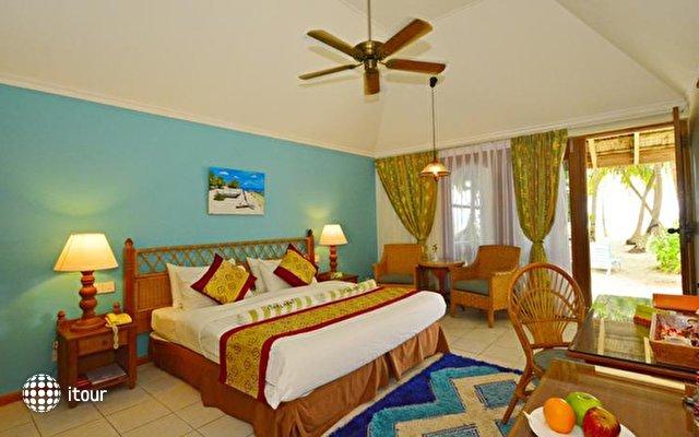 Fihalhohi Island Resort 9