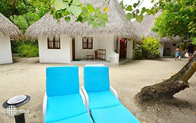 Fihalhohi Island Resort 6