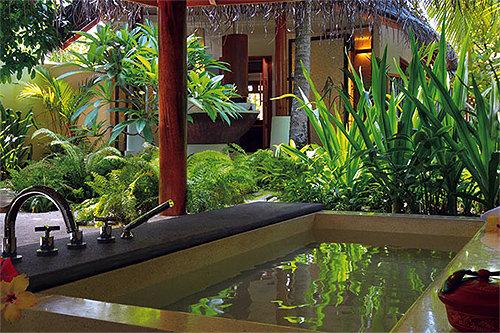Constance Halaveli Resort Maldives 10