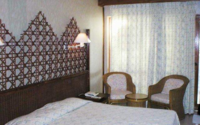 Giravaru Island Resort Hotel 11