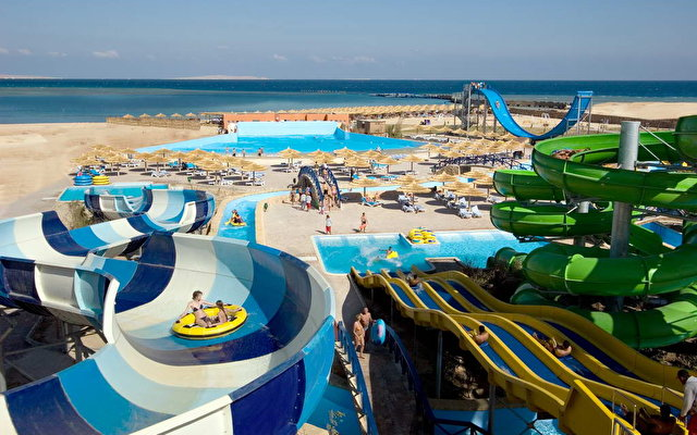 Titanic Beach Spa & Aqua Park 4