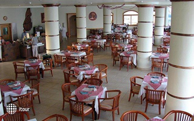 Dessole Aladdin Beach Resort 29